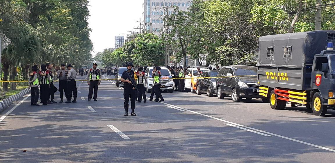 Surabaya Diteror Bom, Polresta Depok Patroli ke Gereja-Gereja