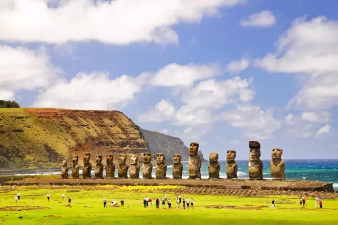 6 Patung Misterius yang Bikin Merinding dari Seluruh Dunia