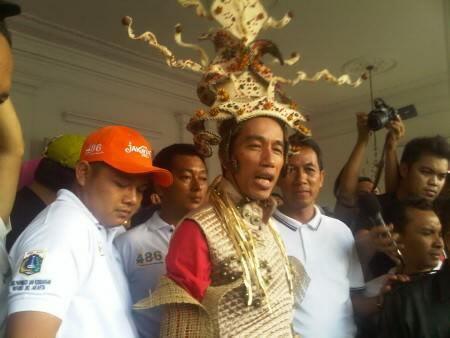 Pengamat: Mengapa Pemerintahan Jokowi Biarkan Militer China Masuk Indonesia