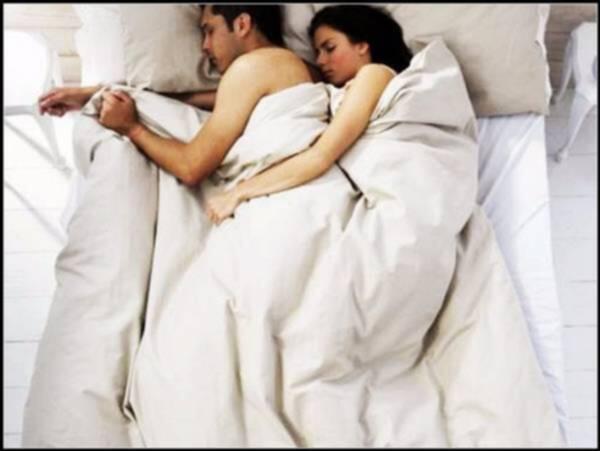 Benarkah Tidur Telanjang Banyak Manfaatnya?