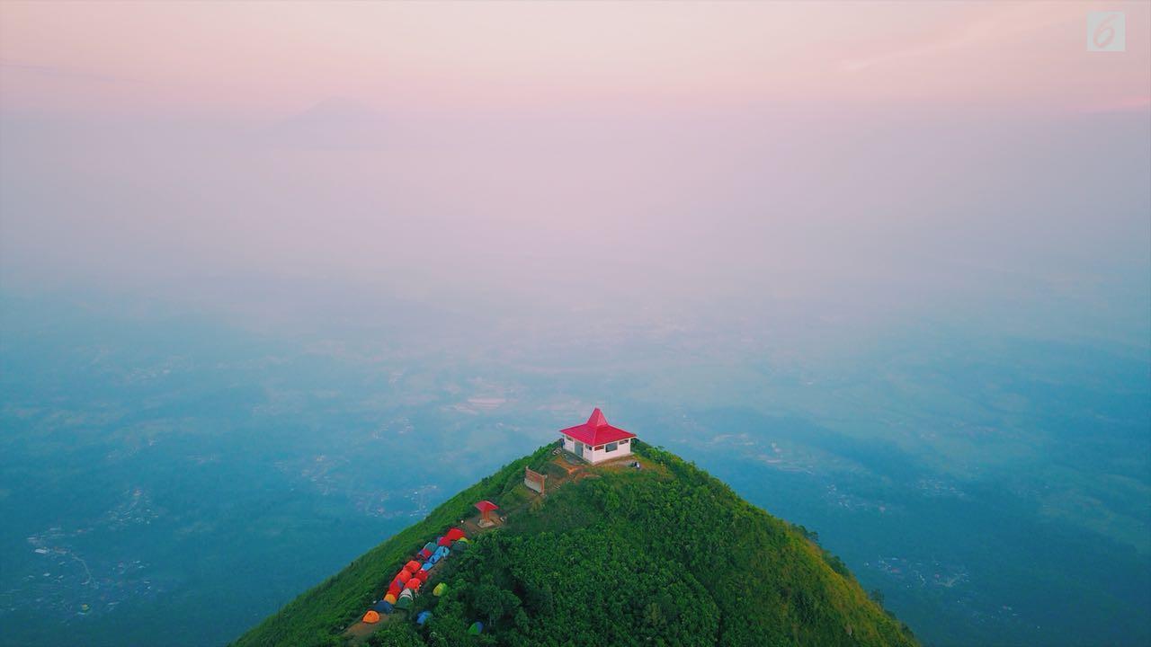 Akhir Mei, Saatnya Melihat Hamparan Awan Ciamik Puncak Gunung Andong