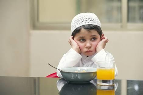 Kebiasaan Nyeleneh Anak-anak Saat Bulan Puasa