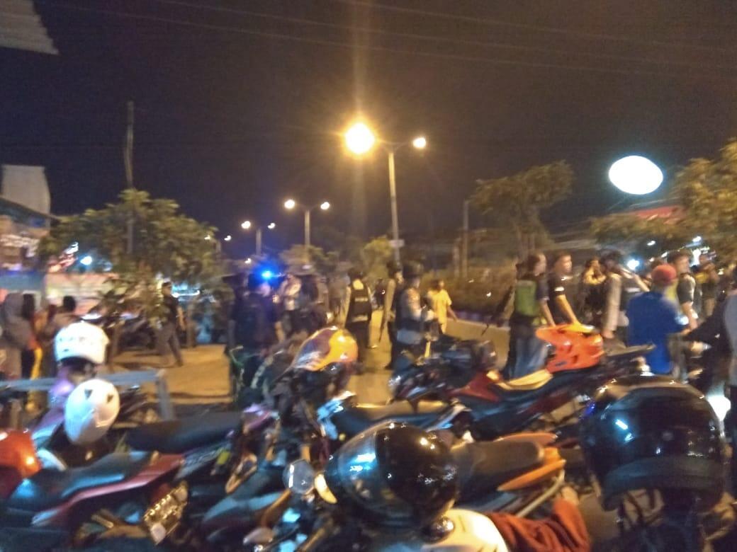 Baku Tembak Densus vs Teroris Terdengar Sampai di Jalan Raya