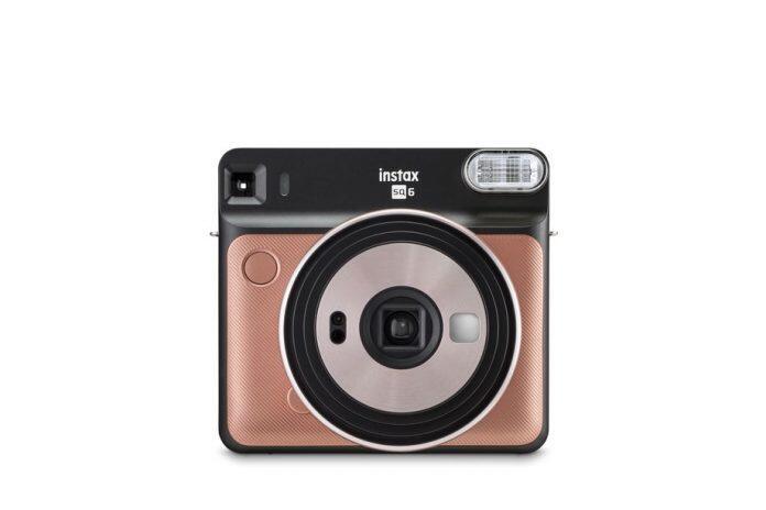 Fujifilm Meluncurkan Kamera Analog Instax Persegi Pertamanya