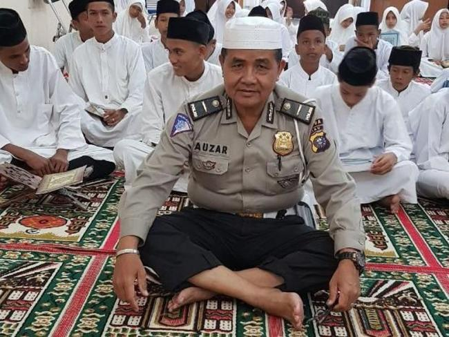 Polisi Muazin di Mapolda Riau Gugur Diserang Teroris