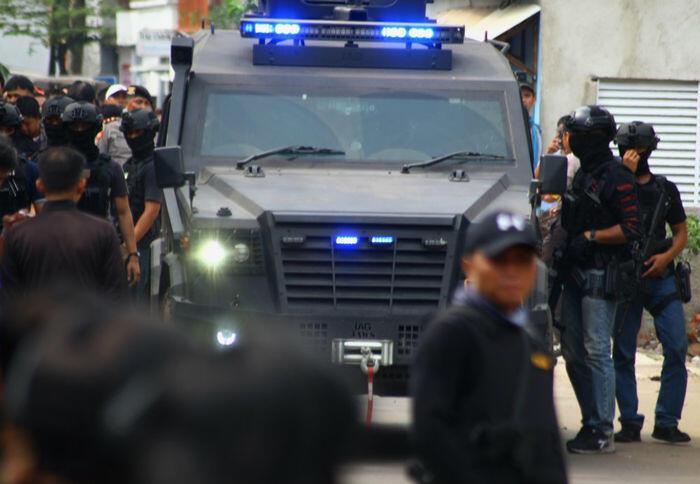 Penangkapan terduga teroris terjadi di sejumlah tempat