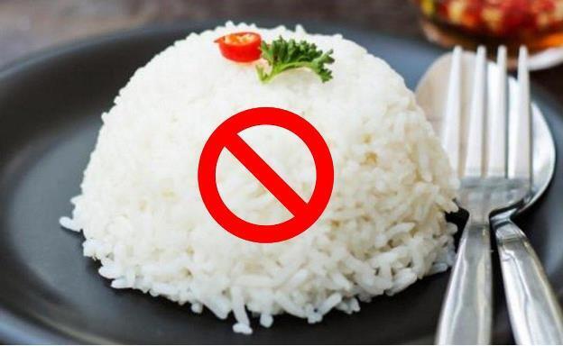 Stop Makan Berat atau Buka-Sahur dengan Minum Teh, Rugi Banget Kalau Diteruskan