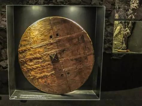 Roda Terbesar dan Tertua di Bumi? Asal Usulnya Masih Misterius Gan