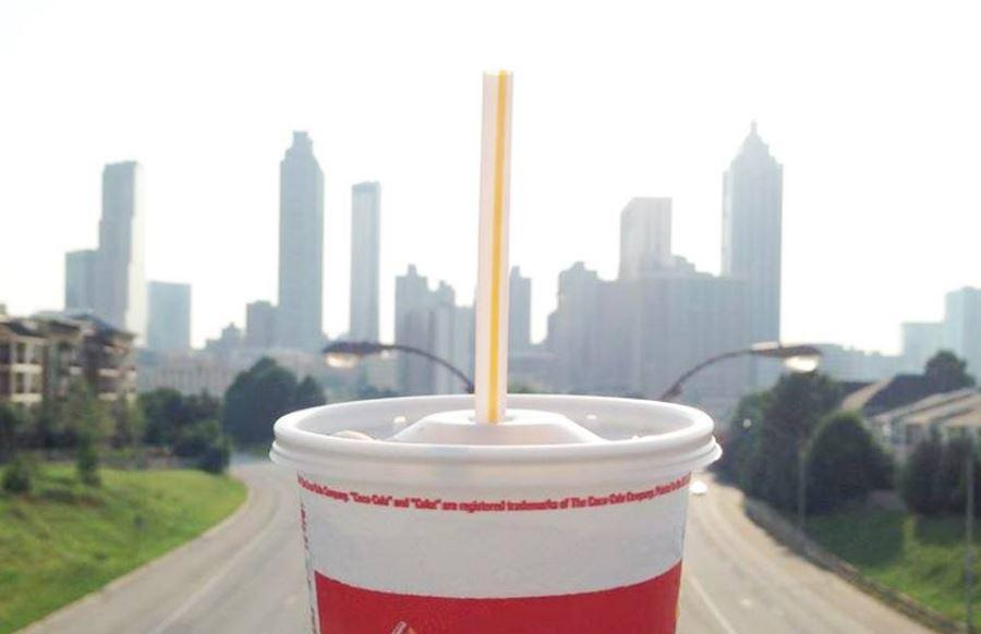 McDonald's dan Starbucks Tak Akan Pakai Sedotan Plastik Lagi