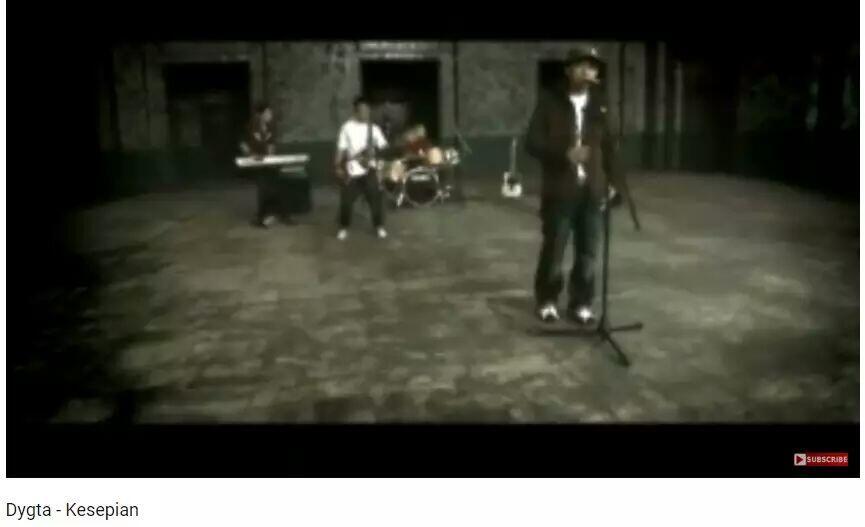Dulu Bikin Banyak Orang Menangis, 5 Lagu Ini Kini Sudah Terlupakan