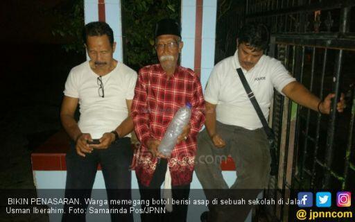 2 Jin Ditangkap, Dimasukkan Botol, Dibuang ke Sungai