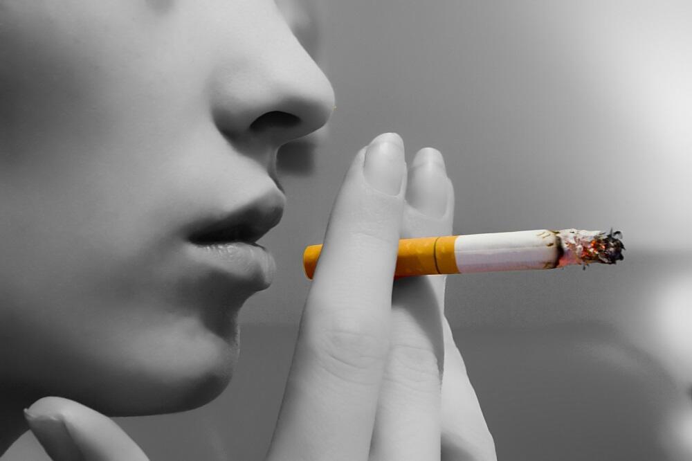 Inilah 7 Bahaya Jika Kamu Merokok Langsung Saat Berbuka Puasa