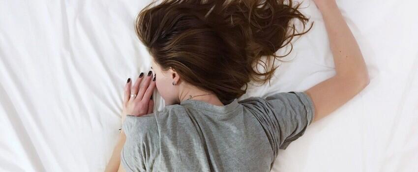 Tak Melulu Tentang Pacar, Ini 6 Hal yang Menyebabkan Cewek Sering Unmood