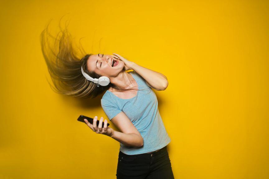 Kenapa Tanpa Sadar Kepala Kita Suka Terngiang-ngiang Lagu?