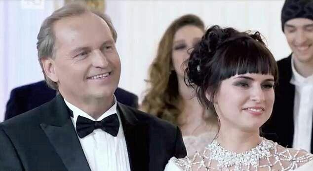 Juragan Minyak Gelar Audisi Cari Istri Baru, Anaknya Disuruh Seleksi 2 Ribu Kandidat