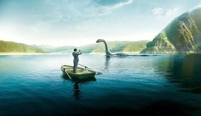 Pria Ini Berhasil Merekam Penampakan Monster Loch Ness Selama 10 Menit