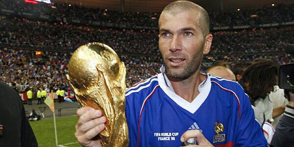 Zidane dan Buffon : Kepergian dan Kedatangan Seorang Legenda