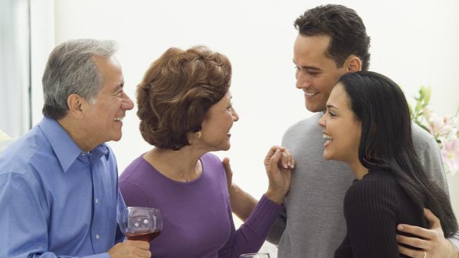 Mengenalkan Pasangan ke Orang Tua, Kapan Waktu yang Tepat?