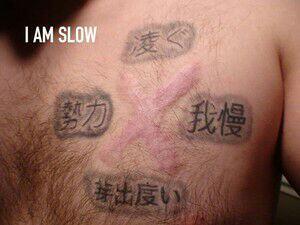 Orang-orang Ini Tato Tubuh Pakai Huruf China, Arti Sebenarnya Bisa Bikin Ketawa
