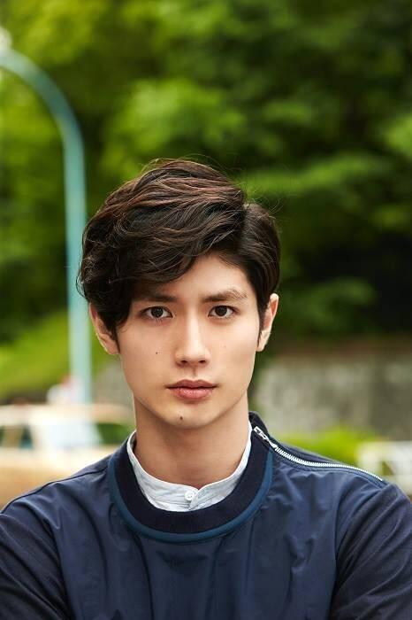 10 Aktor Jepang Ini Nggak Kalah Ganteng dari Oppa Korea-mu. Yakin Bikin Kesengsem!