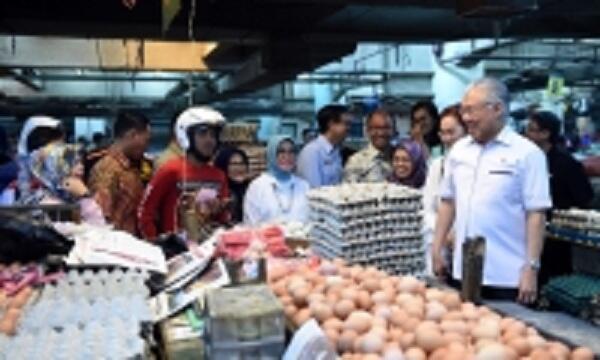 Blusukan ke Pasar Rakyat di Bandung, Mendag: Jaga Stabilitas Harga Bapok