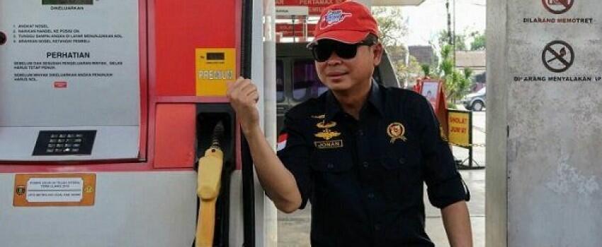 Pantau Persiapan Mudik di Tol Cikampek, Jonan Jajal Motor BBM
