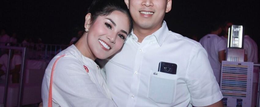 Adu Gaya Mesra Nindy Parasady dan Sandra Dewi Saat Bersama Suami