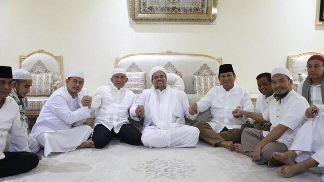 Fakta-fakta Umroh Prabowo, Amin Rais Dan Pa 212