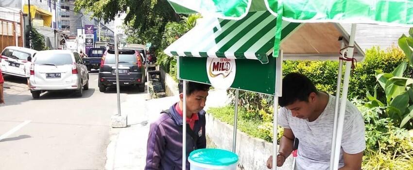 7 Filosofi Hidup yang Bisa Diambil dari Penjual Es Kepal Milo