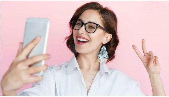 Hadap Kanan atau Kiri, Selfie Bisa Ungkap Kepribadianmu, Lho!
