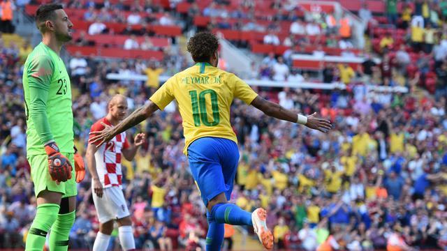 Suarez Beberkan Motivasi Neymar Gabung PSG