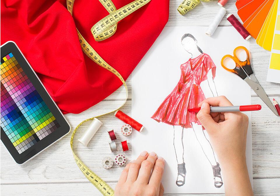 Bukan Cuma Jadi Desainer, Kamu Fashionista Bisa Pilih 1 Dari 7 Profesi Ini!