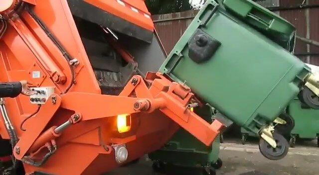 3 Alasan Pemprov DKI Beli Tempat Sampah Buatan Jerman