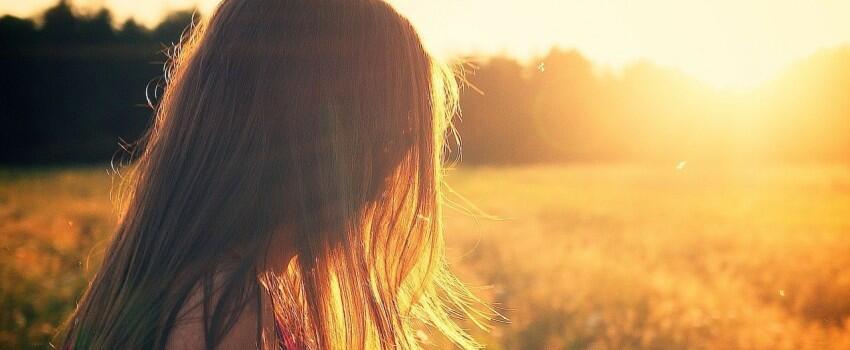 Meski Remeh, Nyatanya 5 Hal Ini Selalu Membuat Cewek Galau Berhari-hari
