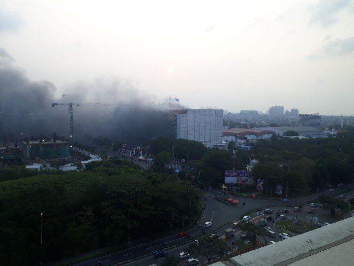 Gedung di Area JIExpo Kemayoran Terbakar