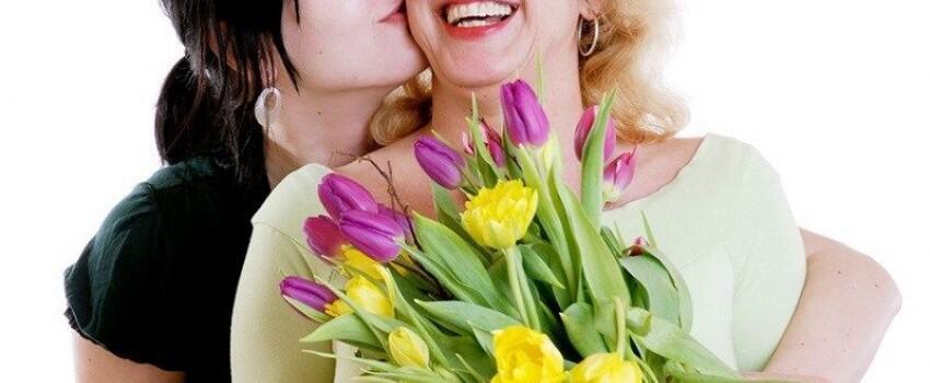 7 Hadiah untuk Ortumu Bagi Kamu yang Bingung Mau Kasih Apa
