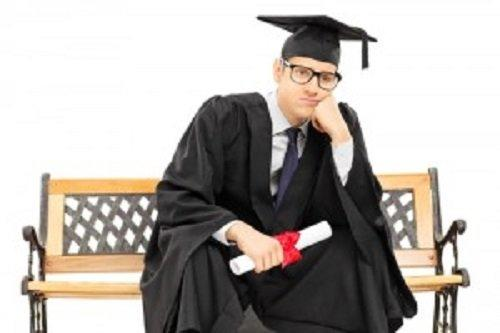 Gak Tau Standar Gaji Fresh Graduate? Coba Baca Ini