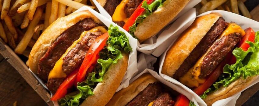 Bikin Gampang Batal, 7 Makanan Ini Sebaiknya Dihindari Saat Sahur!