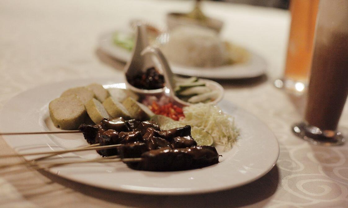 13 Potret Buka Bersama di Crown Prince Hotel Surabaya, Bikin Kerasan!