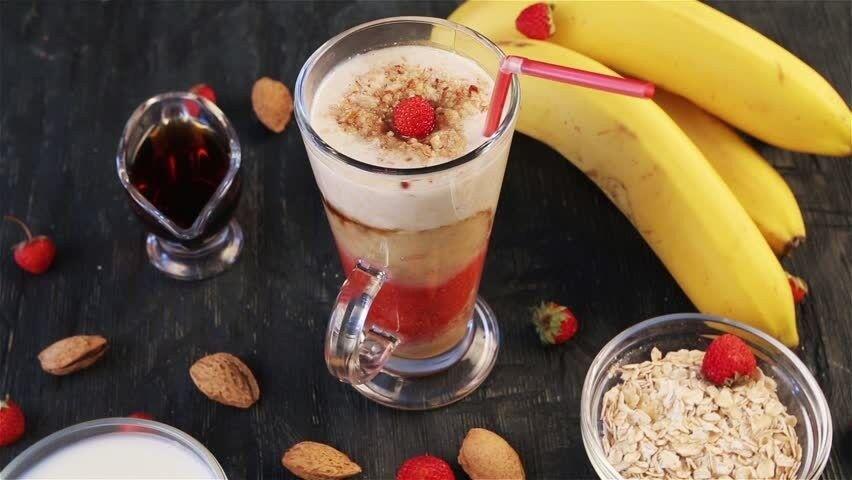 5 Resep Smoothies Pisang Ini Bisa Bantu Kamu Turun Berat Badan
