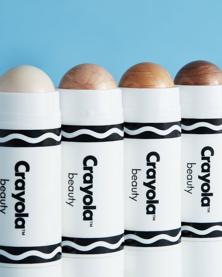 Perusahaan Krayon Ini Ternyata Memproduksi Makeup Juga Lho!