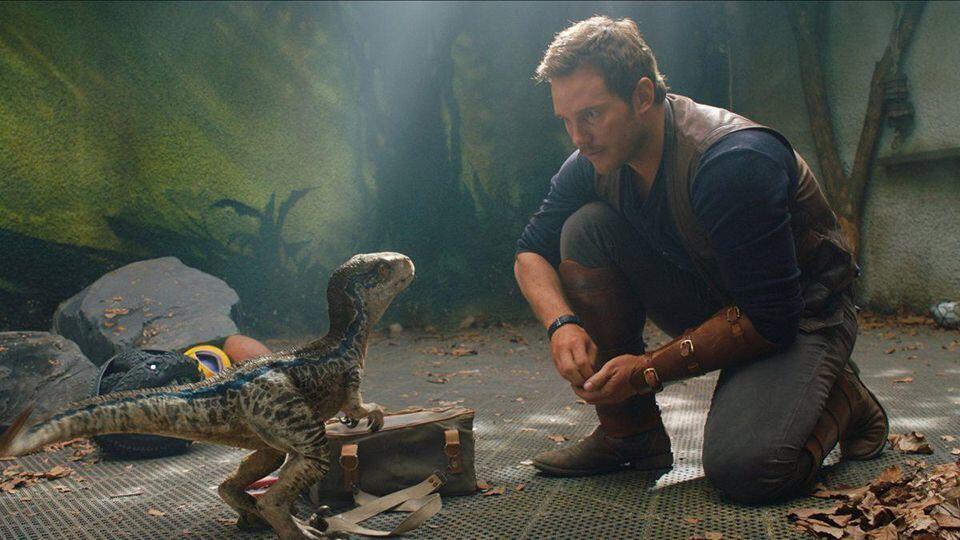 Seru, Tapi Ada 7 Kelebihan & Kekurangan Jurassic World: Fallen Kingdom