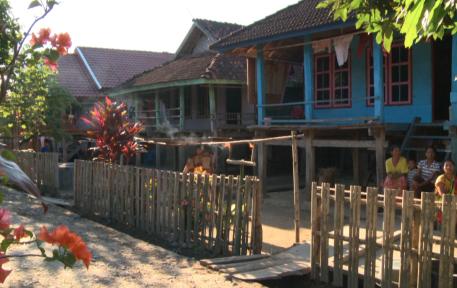 [Tradisi Ramadan] Dila Leman, Terangi Malam Lailatul Qadar di Sumbawa Barat
