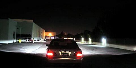 Lampu Mobil Proyektor dan Reflektor, Manakah Lebih Baik?