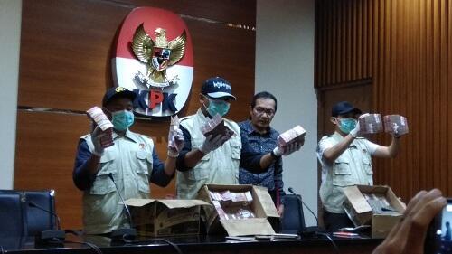 KPK Sita Rp2,5 Miliar dalam OTT di Blitar-Tulungagung