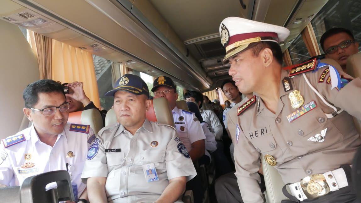 Agar Tak Ngebut, Polda Jatim Pasangi Speed Alarm pada Puluhan Bus