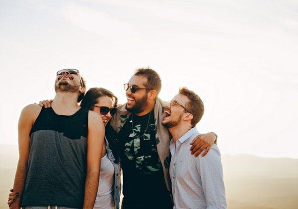7 Cara Bersikap Pada Cowok Agar Gak Disangka Sedang Menggodanya