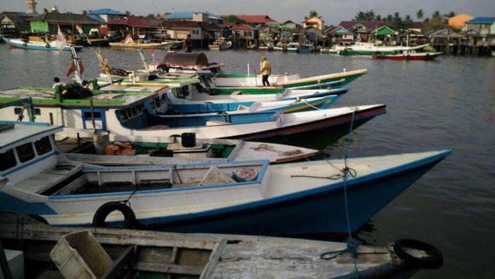 Nelayan Balikpapan blokade pemindahan batu bara