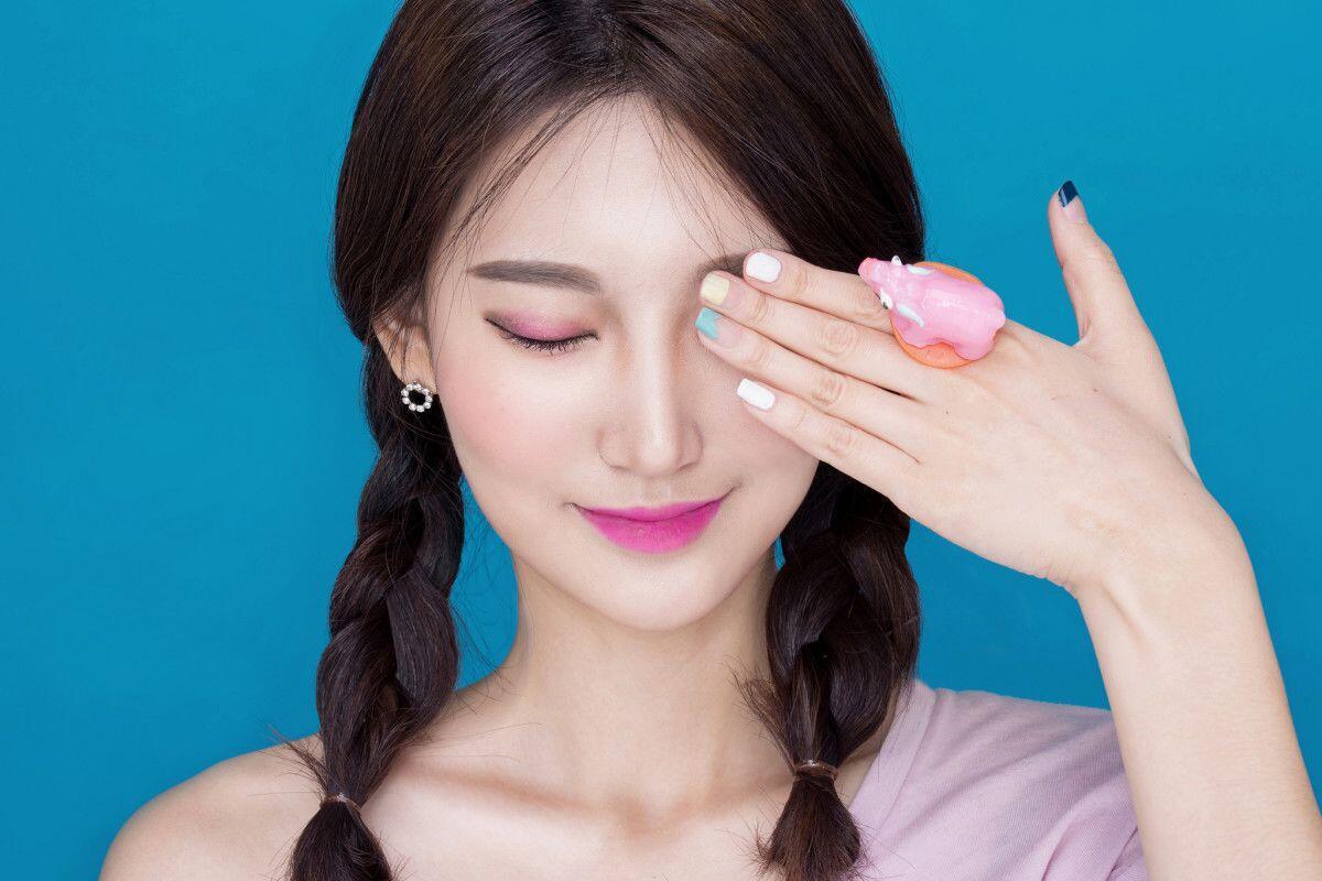 Murah Meriah, 5 Makeup Remover Alami Ini Bisa Kamu Buat di Rumah