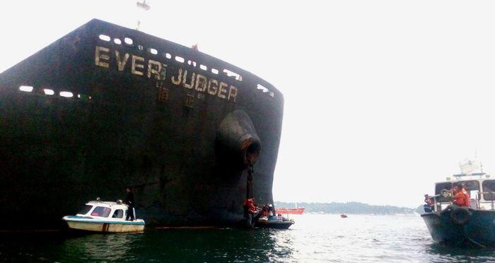 Kapal MV Ever Judger bisa dilepaskan